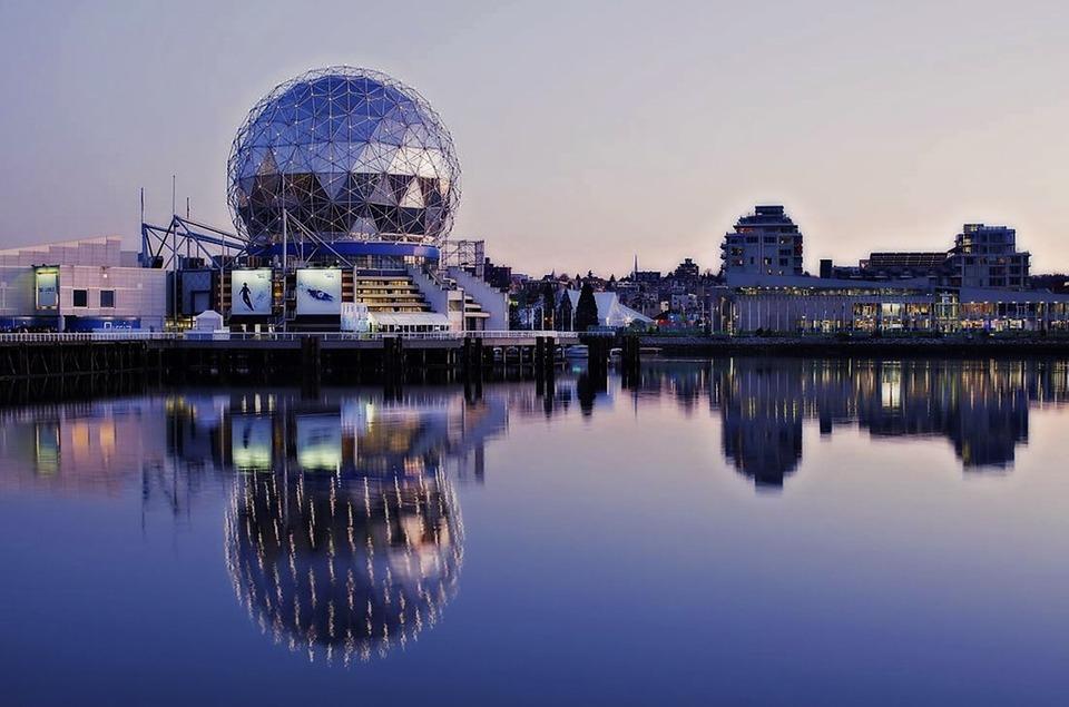 Monde De La Science, False Creek, Vancouver