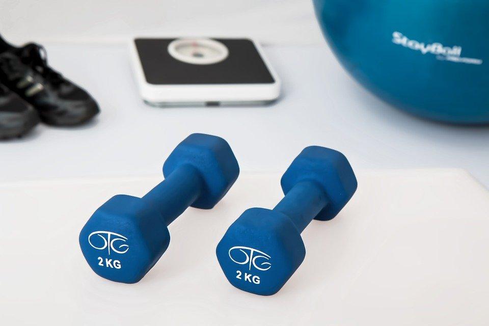 Physiothérapie, Exercices De Musculation, Haltères