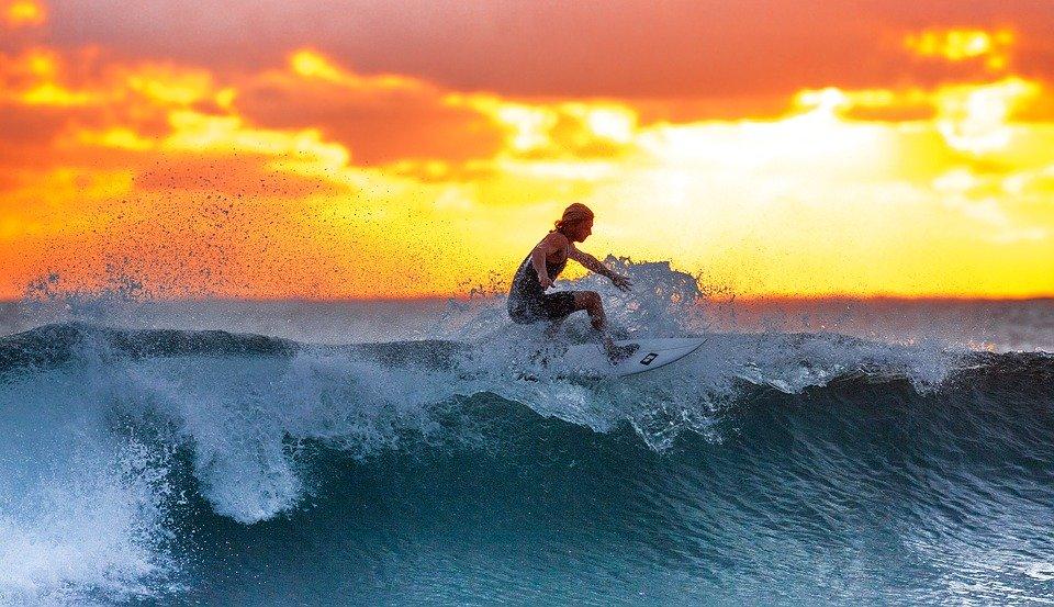 Surf, Coucher De Soleil, Mer, Île De Java, Indonésie
