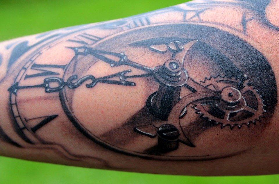 Quelles précautions prendre avant de se faire tatouer?